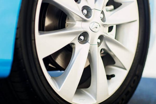 16'' alloy wheels.