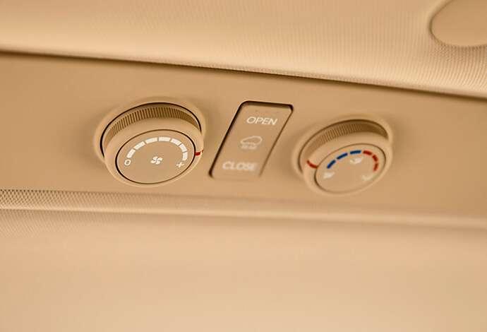 Hyundai H1 Air Conditioning controls